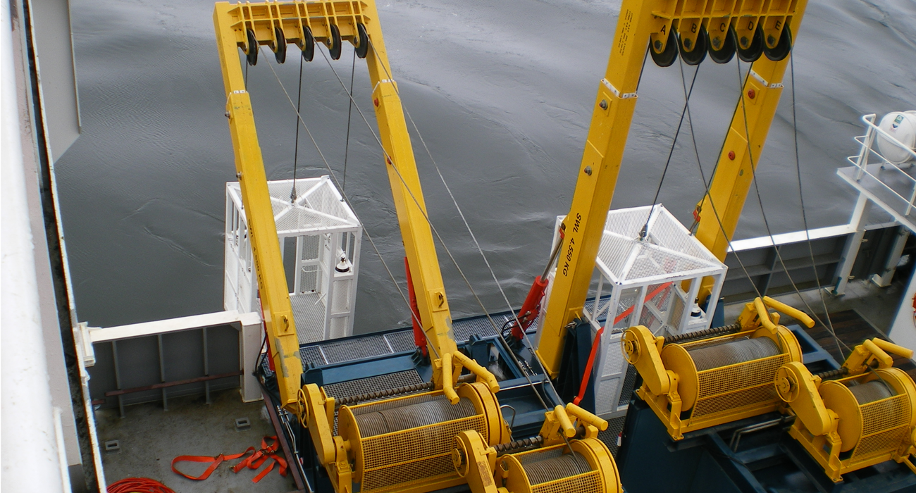 Slider customized winches and capstans
